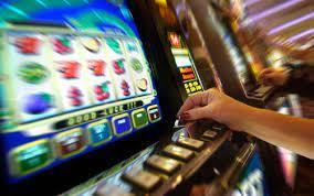อยากรวยคลิกเลย เล่นเกมสล็อตออนไลน์เครดิตให้ทดลองเล่น ได้เงินจริง